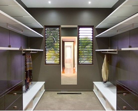 Charming Resort Design with Contemporary Look: Fabulous Modern Closet Design Pavilion House Bedroom Interior