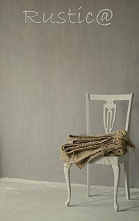 Deze 'rustieke' verf kenmerkt zich door zijn  zachte streperige kleurschakeringen en natuurlijke nuance. Hierdoor krijgt elke muur een authentieke en doorleefde uitstraling, die typerend is voor de stijl in oude Engelse cottages en Toscaanse landhuizen. Het is bijzonder makkelijk te verwerken, direct resultaat! Painting The Past Rustica