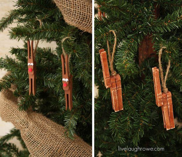 Reindeer Ornament---So cute for a kid's Christmas craft!  #pegreindeer