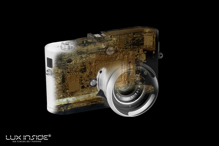 Laurence Picot & Jean-Francois Paul: photo and x-ray. Leica M8 Milletrecento componenti, che per essere assemblati richiedono più di 5 ore di lavoro. Una stravaganza in un mondo, quello della fotografia, dominato oggi da soluzioni meno artigianali e tutte giapponesi. Un marchio di qualità che ha contraddistinto quella che da molti viene considerata 'la' macchina fotografica, fin dalla sua creazione nel 1925.