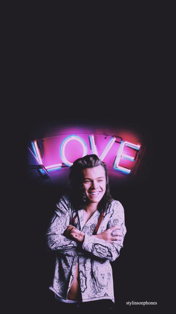 Harry Styles Valentine Lockscreen • ctto: @stylinsonphones