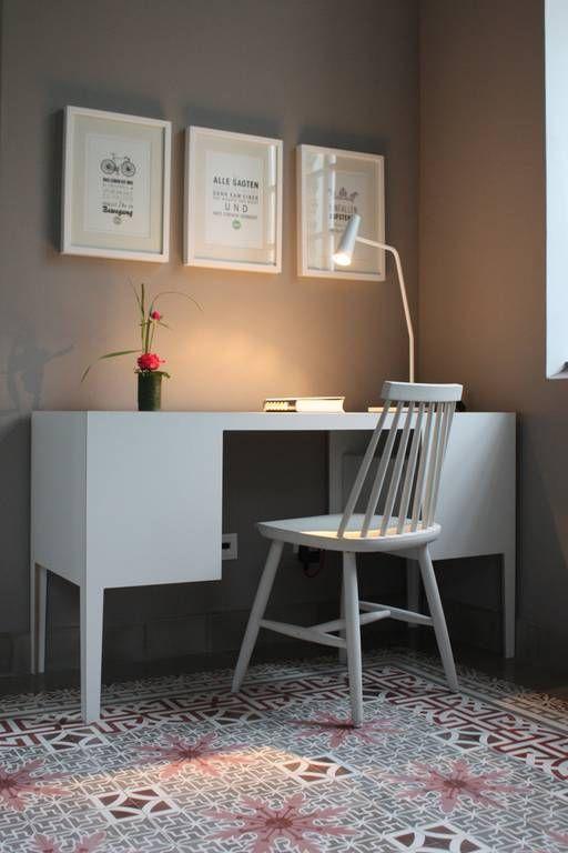 VIA: Bildpool Farbe VIA Kreidefarbe No. 506 Edelbraun und Zementmosaikplatten…