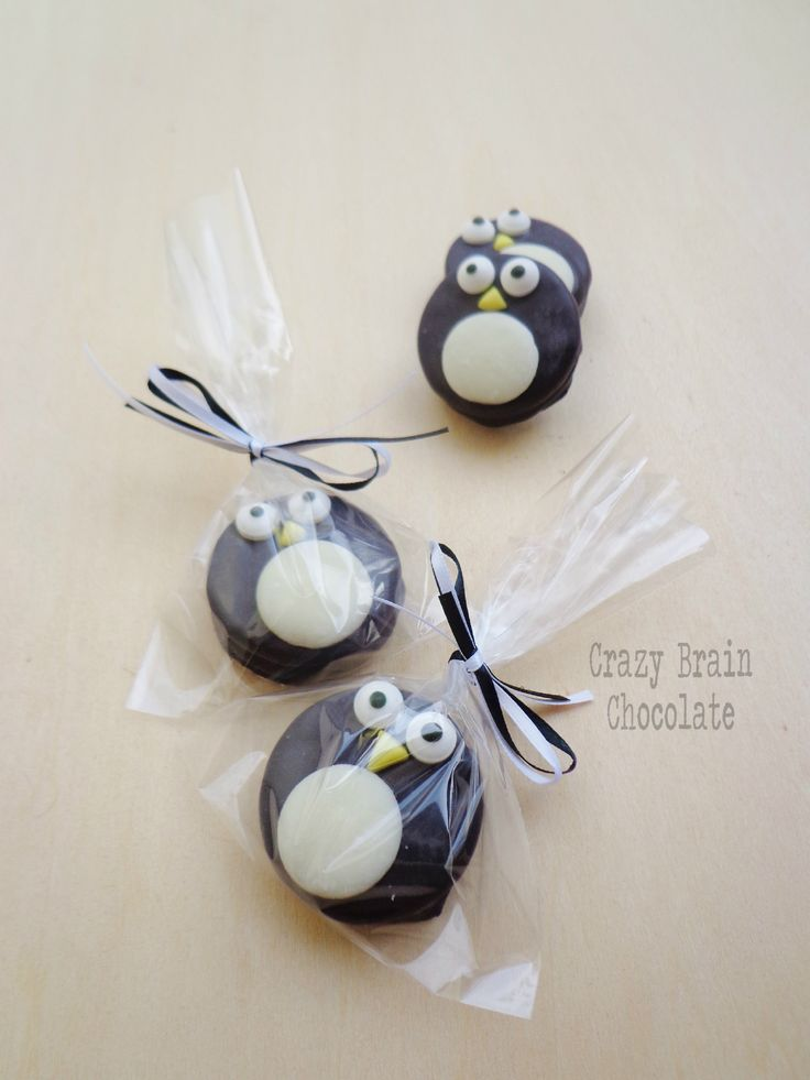 Chocolate Dipped Oreo Penguins - For all your cake decorating supplies, please visit craftcompany.co.uk