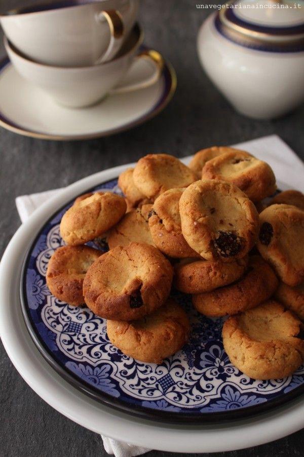 Condividi Twitta Pin E-mail Forse qualcuno di voi avrà già sentito parlare della mia passione per i biscotti. Ahaha, vi scherzo, so che ormai ...
