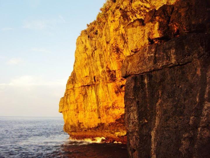 Side Hindia Cliff. Samudra Hindia, Indonesia