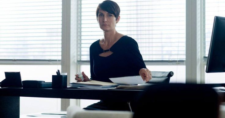 Netflix's 'Iron Fist' Adds 'Jessica Jones' Star Carrie-Anne Moss -- 'Jessica Jones' star Carrie-Anne Moss has come aboard to reprise her role as Jeri Hogarth in Marvel's upcoming series 'Iron Fist'. -- http://movieweb.com/iron-fist-tv-show-cast-carrie-anne-moss/