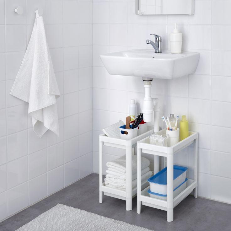 Etajera VESKEN se strecoară și în cele mai mici spații din baia ta.