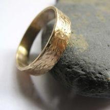 Handmade men's gold wedding rings London