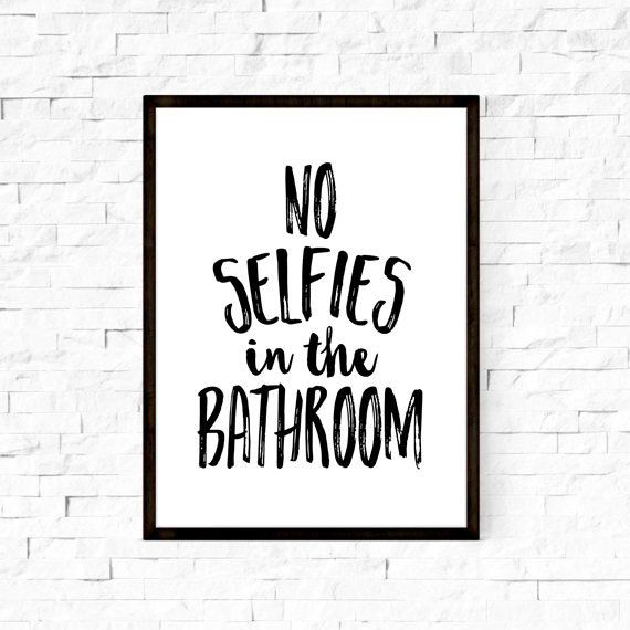 No selfies in the bathroom artbathroom por boutiqueprintart en Etsy