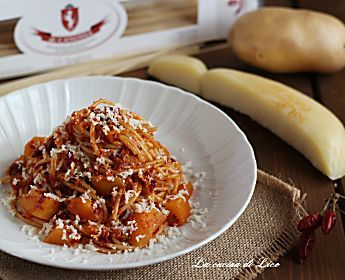 Spaghetti con 'nduja e caciocavallo silano - ricetta gustosissima
