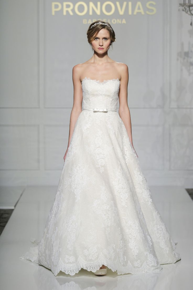 Taffi style from Pronovias 2016 Collection.