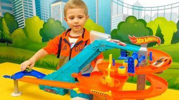 Машинки ХОТ ВИЛС для детей - Сборник интересных видео для детей про машинки HOT WHEELS http://video-kid.com/13228-mashinki-hot-vils-dlja-detei-sbornik-interesnyh-video-dlja-detei-pro-mashinki-hot-wheels.html  Машинки Hot Wheels очень нравятся мальчикам,  и наш Даник тому прямое доказательство, он любит играть в разные треки с машинками Хот Вилс и иногда мы  с Даником снимаем интересные видео про наши с ним игры с машинками. В этом сборнике, мы собрали одни из самых на наш взгляд…