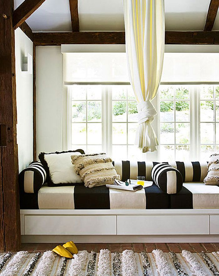Best Window Seats Day Beds Images On Pinterest Architecture - Beautiful windows and love the window seat with blue white cushions