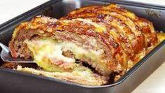 Bolo de Carne com Bacon Recheado de Purê de Batatas