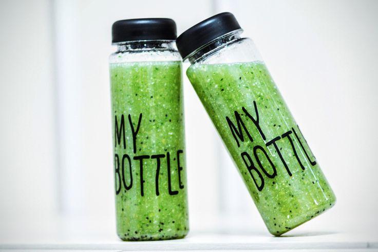 Recepten zelf fruit water en smooties maken Recept Gezonde Zachte Groene Smoothie: My Bottle fles kan je gebruiken om water, water met fruit of wat ander drinken in te doen. De fles is ook geschikt om smoothies in te doen! My Bottle is lekvrij dus je kan je smoothie makkelijk mee nemen naar je werk […]