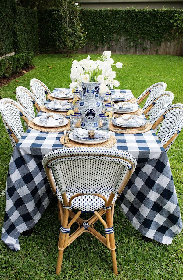 How To Stylish Outdoor Table Set Up For Brunch White Outdoor