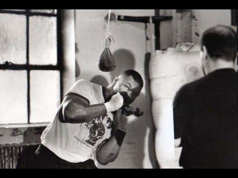 Amazing Mike Tyson Defencive Boxing Skills - YouTube