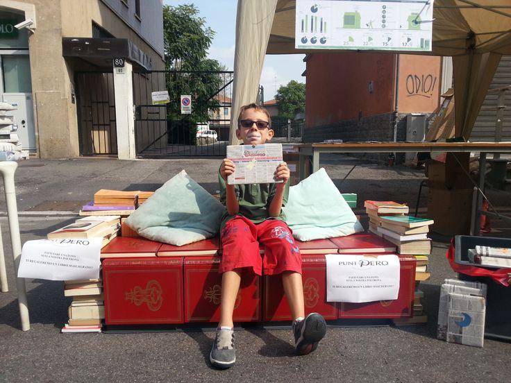 Un divano di libri sul Sempione per Pero in Festa