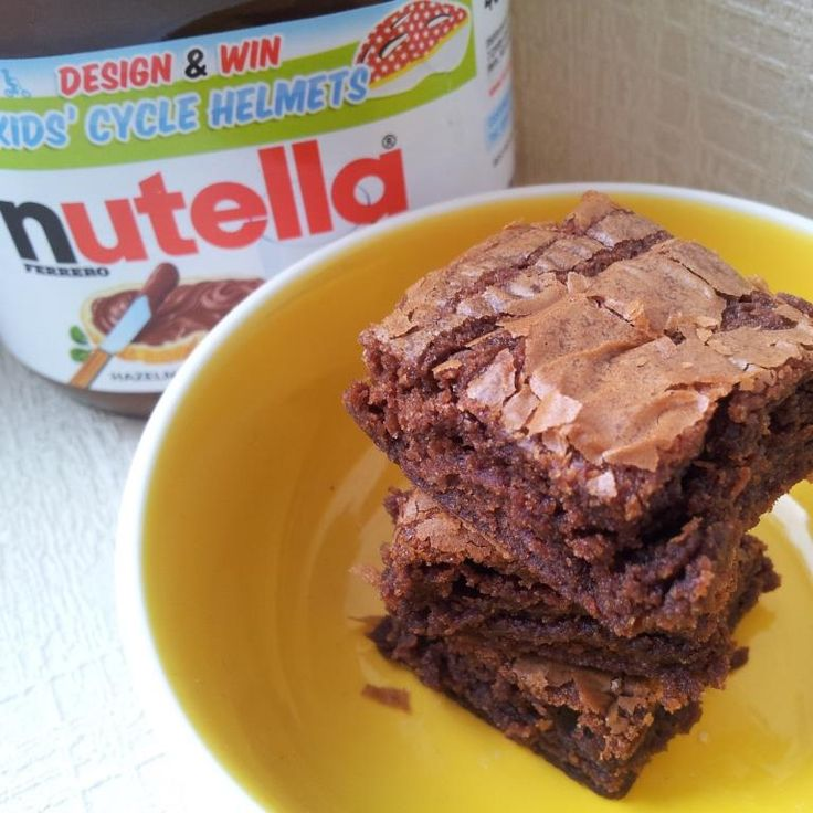 Make these amazing 3 Ingredient Nutella Brownies in just half an hour. They are gooey and cakey and totally AWESOME!