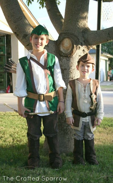 Looking for an easy DIY Halloween Costume Duo to make, look no further! This DIY Robin Hood & Little John costume set is easy to make and boys will love it.