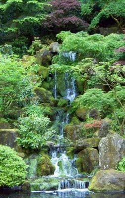 Waterfall portland japanese gardens cascade in three for Garden fountains portland oregon