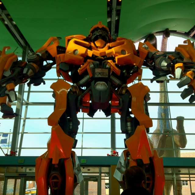 Dude, Can I see it! ---Bumblebee, Transformers, 2007: Indianapolis Children's Museum!