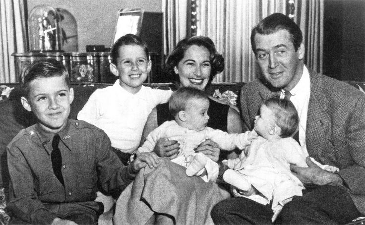 Jimmy Stewart with family, early 1950s | Movie Stars 7 ...