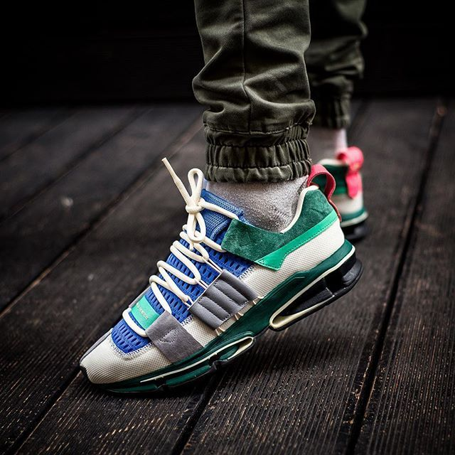 ADIDAS TWINSTRIKE ADV 18000 @sneakers76 in store online H 00.01 PM  @adidasoriginals #adv #adidasoriginals #adidas #twinstrike Photo credit  #sneakers76 ...