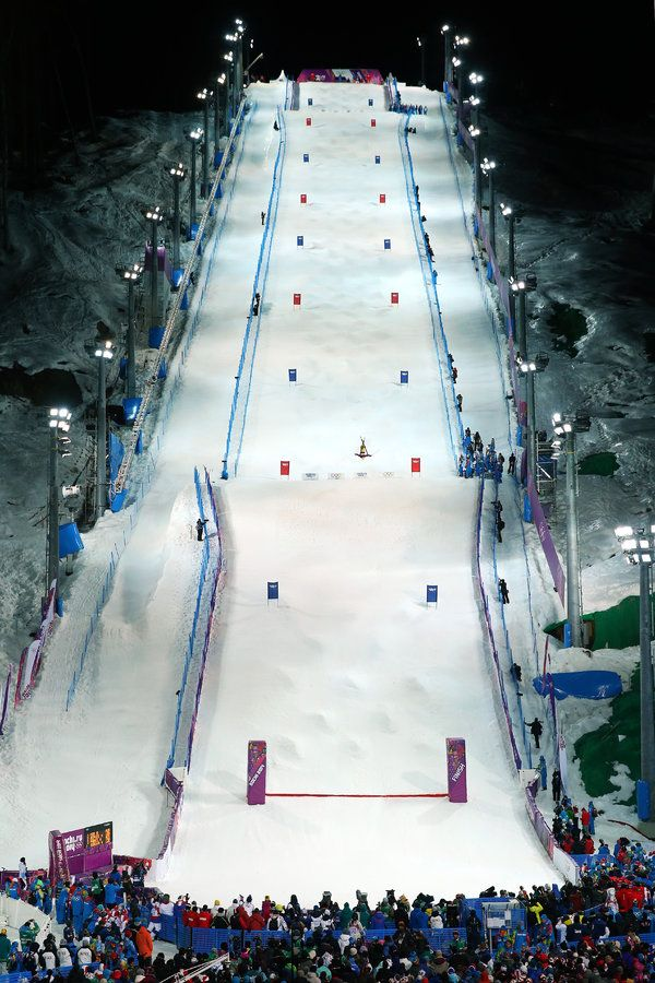 OCHI, RUSSIA - FEBRUARY 08: General view of the Rosa Mogul course during the Ladies' Moguls Final 1 on day one of the Sochi 2014 Winter Olympics at Rosa Khutor Extreme Park on February 8, 2014 in Sochi, Russia. (Photo by Julian Finney/Getty Images)