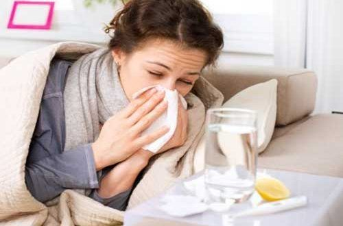 What is difference between a cold and flu (influenza) | Symptoms, Vaccine, Causes, complications and Treatments