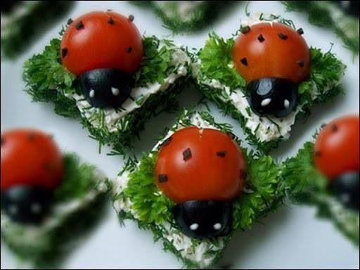 Mini-ladybug sandwiches