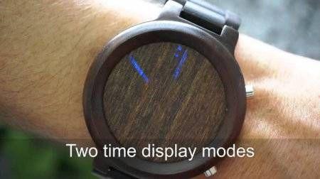 "Tokyoflash是一家来自日本的手表制造商,该制造商一直以制造极具创意并且富有设计感的时尚手表而闻名。之前调调也介绍过另外一款""Tokyoflash Satellite X"",让人难以捉摸的看时间套路,绝对就是秀智商神器。  显示模式共有两种,一种是光条转动三圈分别显示小时、分钟十位数以及分钟个位数的Turning 模式;  而另一种Flashing模式则比较普通,只是简单地用光条来显示小时和分钟的十位数,然后再结合上方的圆点来确定分钟的个位数。  除此之外Kisai Blade 还有一个Animation模式,它可以让光条在表面上持续转动,感觉上像是专为派对而设的功能。"