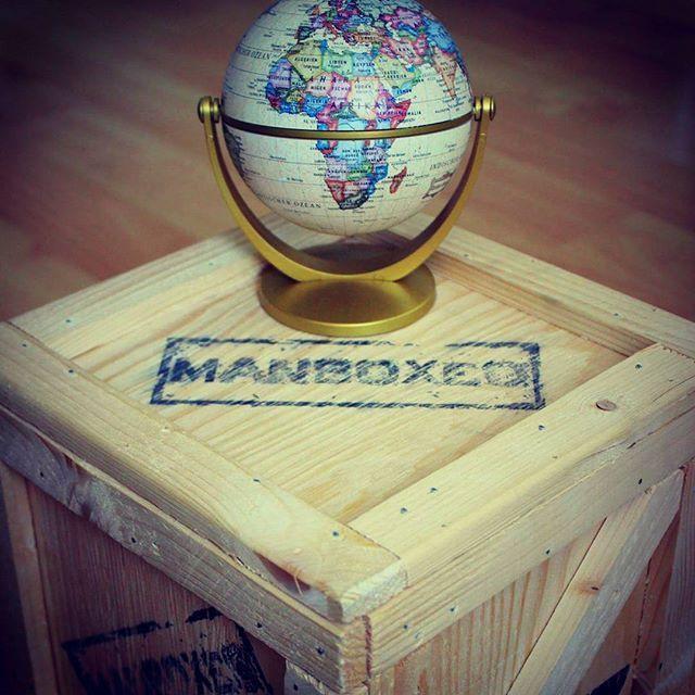 Už nemusíte objet celý svět, abyste našli ten pravý dárek #perfectgift #traveling #bednaplnapoteseni #idealnidarek #spacidlem #manboxeo