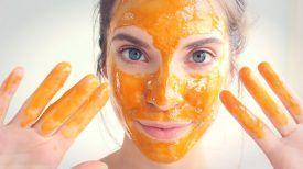 Appliquez ceci sur n'importe quelle cicatrice, ride ou tache sur votre peau … Et elle disparaîtra !