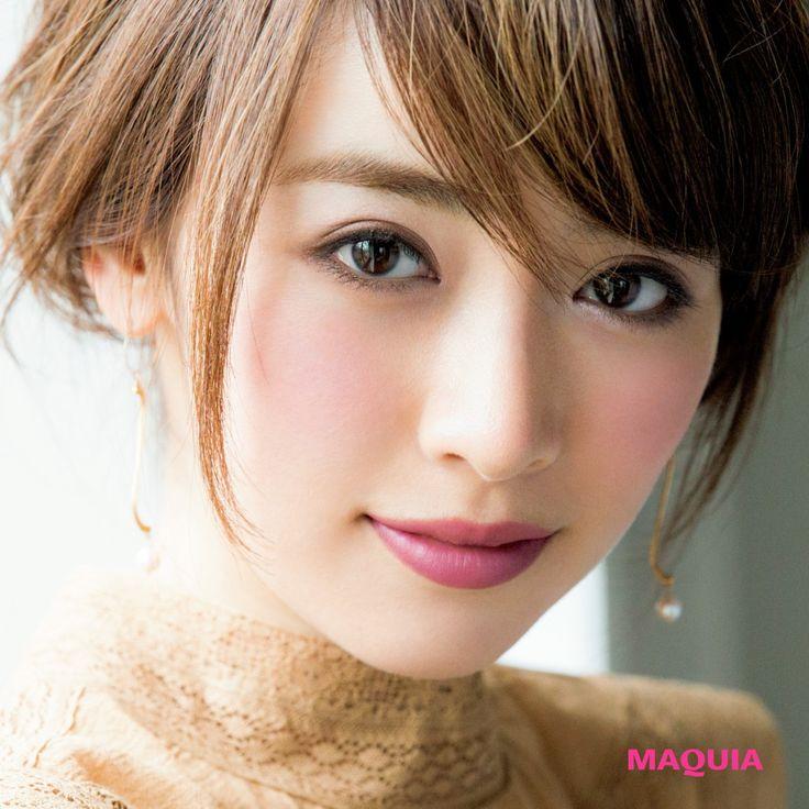 「MAQUIA」10月号では人気アーティスト千吉良恵子さんが、新色ブラウンパレットを主役に今シーズントライすべき秋メイクを提案しています。今回はゲランのブラウンパレットを使った旬メイクをお届け。ナチュラルなのに ぱっとひと目を引く上質感パレットの...