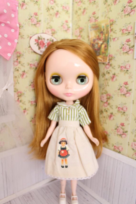 Beautiful blouse and skirt set for Blythe or by MotaDeAlgodon