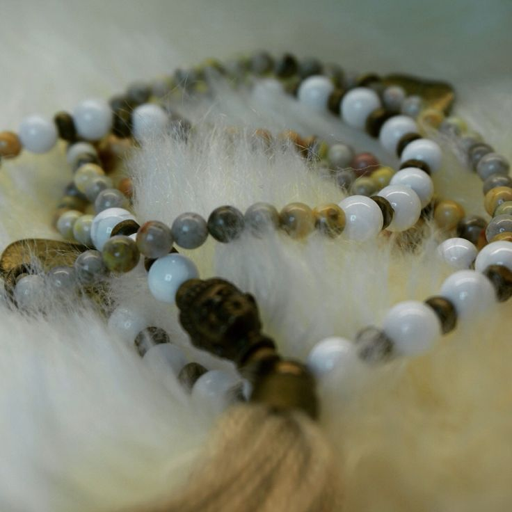 Makabead necklace
