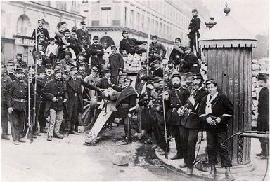Résultats Google Recherche dimages correspondant à http://www.info-histoire.com/images/2011/04/communard-paris-1871.jpg