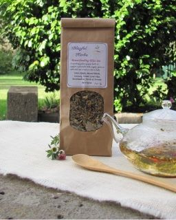 Breastfeeding Bliss Tea contains nourishing galactogogue herbs to support a plentiful milk supply, promote calm and ease wind or colic in baby. You can make up your tea in the morning and drink it whenever throughout the day!
