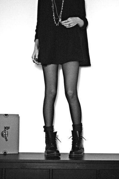 Grunge dr Martens fashion women tumblr Style streetstyle Black on Black