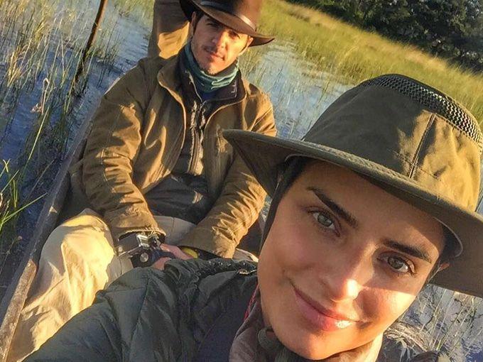 Aislinn Derbez y su esposo Mauricio Ochmann decidieron visitar África para su luna de miel, y han compartindo en Instagram algunos de los hermosos paisajes que los acompañan.