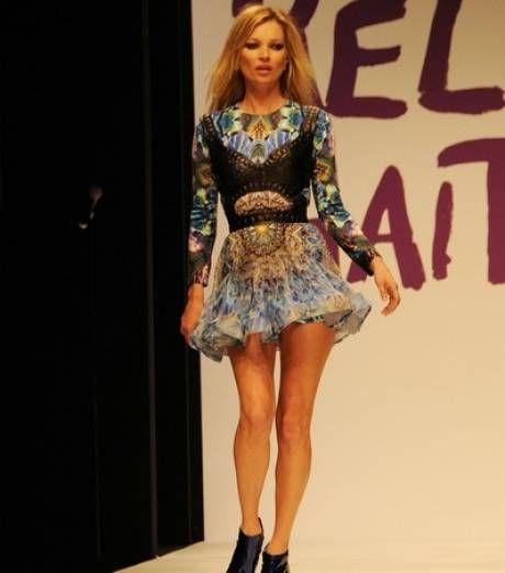Photo : Kate Moss, juste sublime dans sa très jolie mini-robe