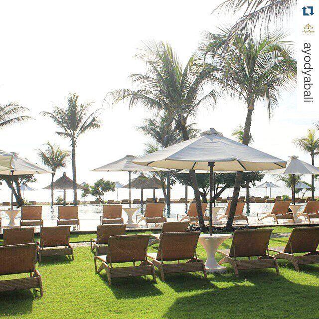 Poolguard by #diduindonesia #sunbed  @ayodyabali  #destinationbali #besthotel #outdoorfurniture #customfurniture #luxuryhotel #lifestyle #balifurniture #syntheticrattan #poolside