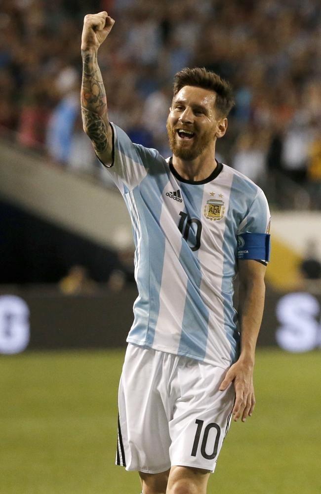 Lionel Messi Copa America Centenario 2016 http://celevs.com/the-10-best-pictures-of-lionel-messi-copa-america-2016/