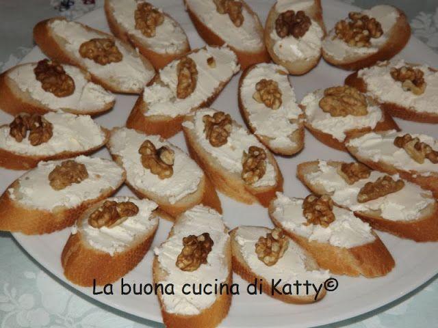La buona cucina di Katty: Bellini, spiedini di frutta, e baguette noci e gorgonzola