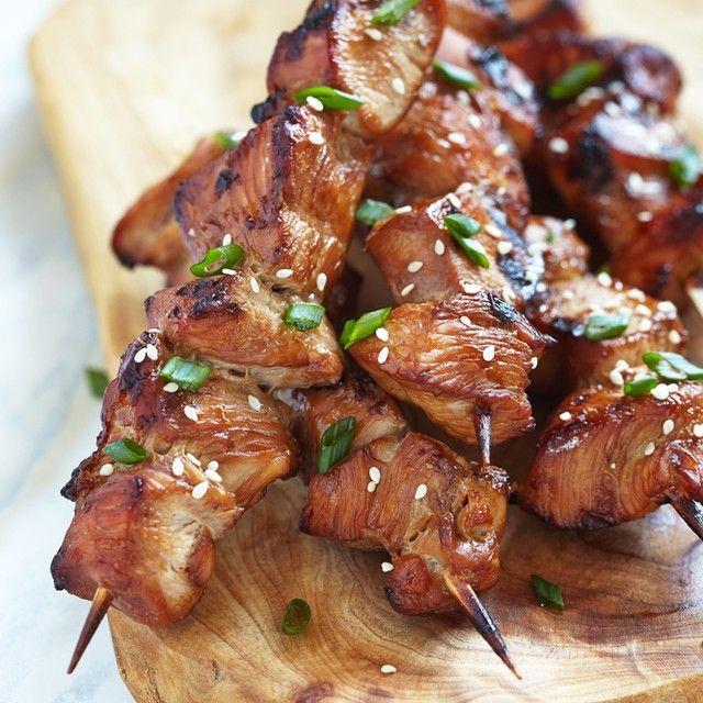 تتبيلة لحم مشوي على الفحم جديدة وبمكونات لا تخطر في البال جربيها المكو نات لحم مكعبات كيلوغ Teriyaki Chicken Teriyaki Chicken Skewers Chicken Skewers