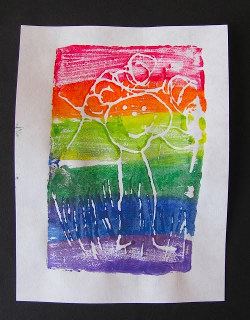 Dibuixar amb cera blanca i pintar-hi a sobre amb pintura molt líquida. Sorpresa!