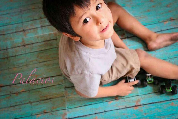 Such a cute lil boy... love!!!