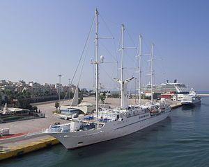 WIND STAR. Ιδιοκτησία & Διαχείριση: Windstar Sail Cruises Ltd - USA(an Whippoorwill Associates Inc. Co.). Σε υπηρεσία το 1986. 5.703 GT ~ 134,20 μ.μ. ~ 15,80 μ.πλάτος ~ 5 κατ/τα ~ 13,5 knots ~ 148 ~ 167 επ. ~ 101 ατ.πλ.