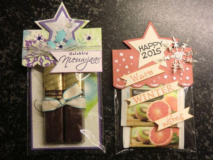 kerstpresentjes 1 met chocolade en 1 met theezakjes